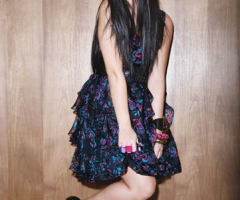 Demi Lovato rayonnante dans sa robe