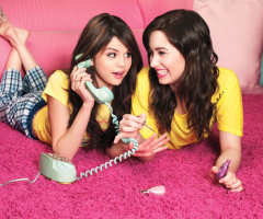 Selena Gomez et Demi Lovato en pyjama