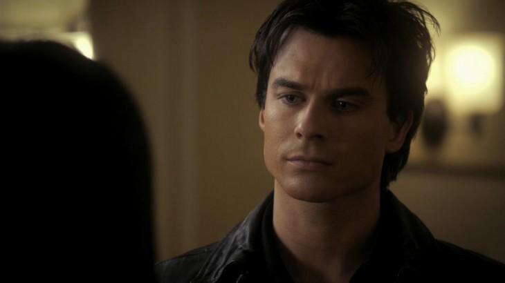 Damon parle a Elena