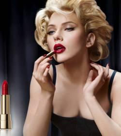Scarlett Johansson rouge à levres