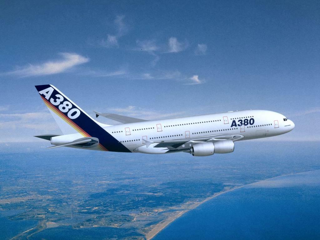 Coloriage Avion Cargo.A380 Airbus Coloriage De L Avion A380 Airbus A Imprimer Et Colorier