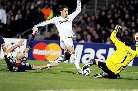 Cristiano Ronaldo contre LLoris