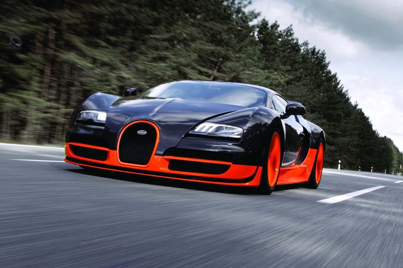 Coloriage voiture de sport Bugatti Veyron à imprimer et colorier