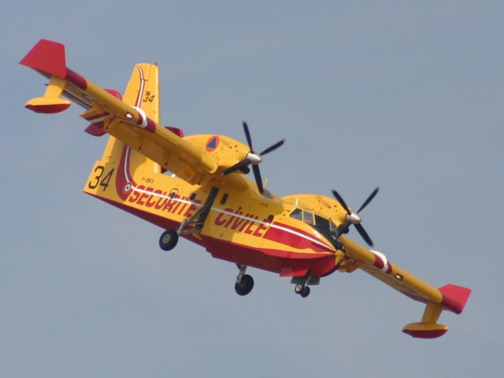 Coloriage canadair cl 415 - Coloriage bombardier ...