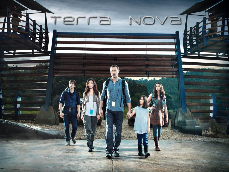 Famille Shannon Terra Nova Wallpaper