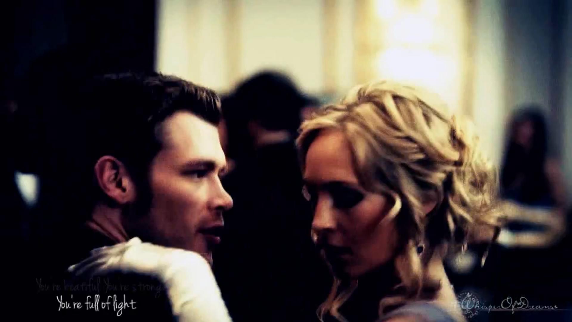 Klaus et Caroline danse