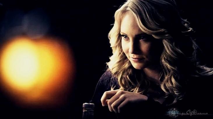 La belle Caroline Vampire 2012