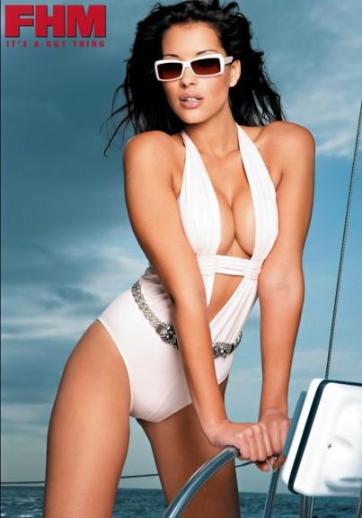 Lee-Ann Liebenberg bikini seins