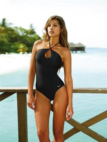 Lee-Ann Liebenberg bikini une pièce