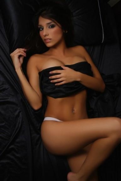Melissa Soria hot