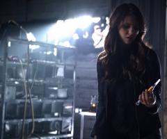 Katherine injecte le virus dans Elena