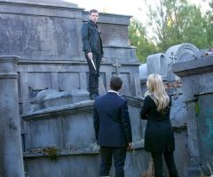 Klaus face à Elijah et Rebekah