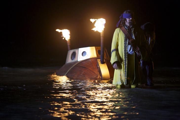 Crossbones bateau sous l'eau