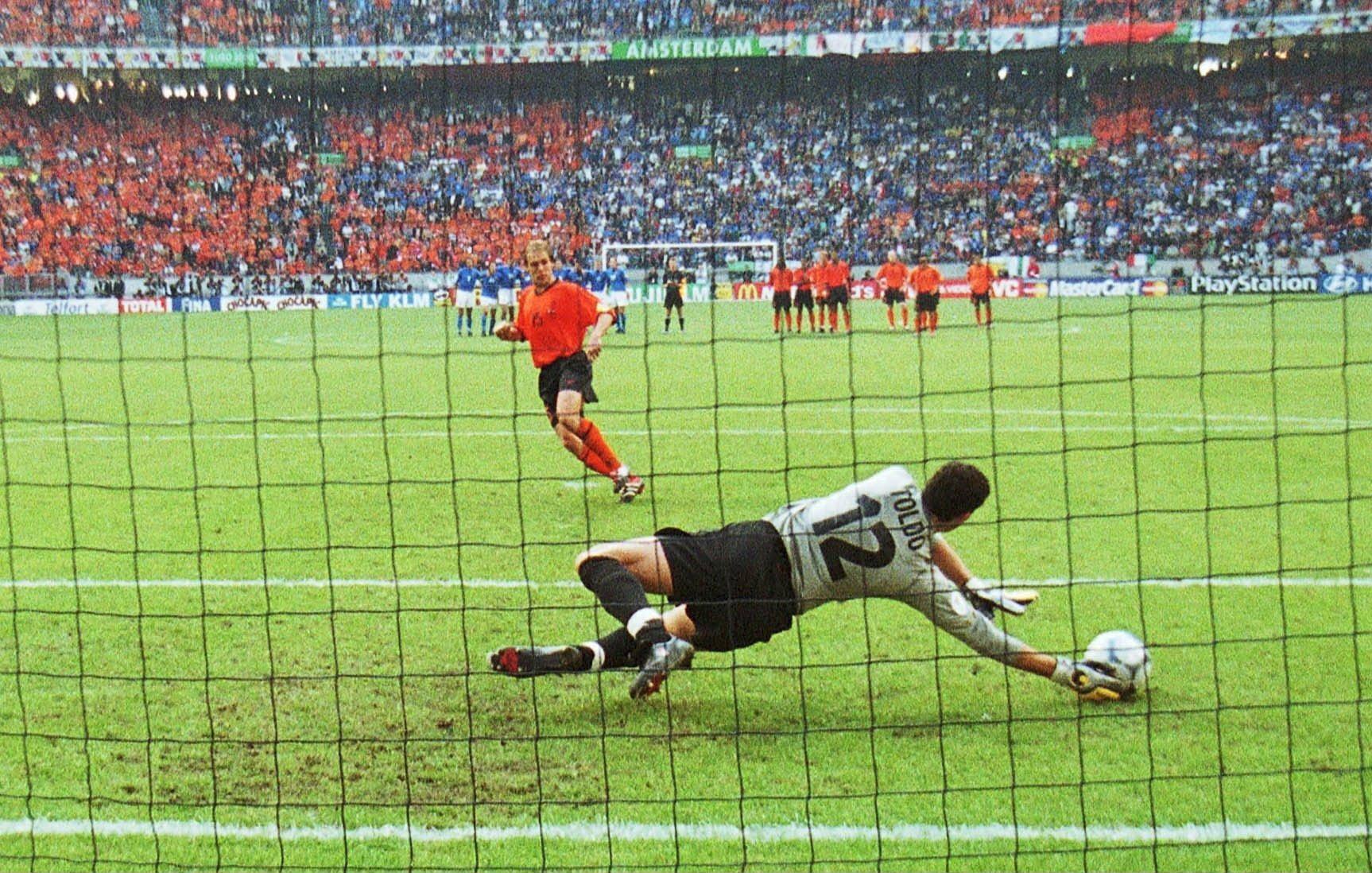 Coloriage Football Gardien.Coloriage Foot Penalty A Imprimer Et Colorier